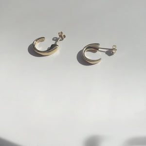BAR Jewellery Sustainable Taper Earrings In Gold Hoop Style