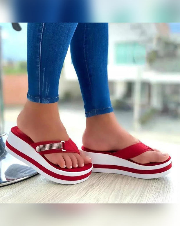 Round-toe Color Block Toe Post Platform Slippers