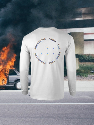 Open image in slideshow, SOUVENIRS LONG SLEEVE WHITE