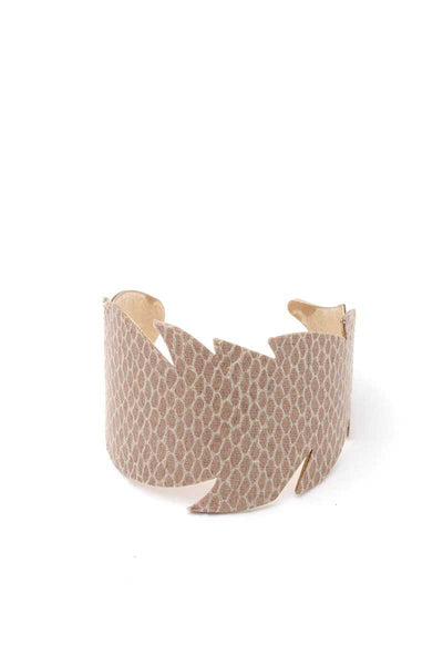 Leaf Cut Out Pattern Cuff Bracelet