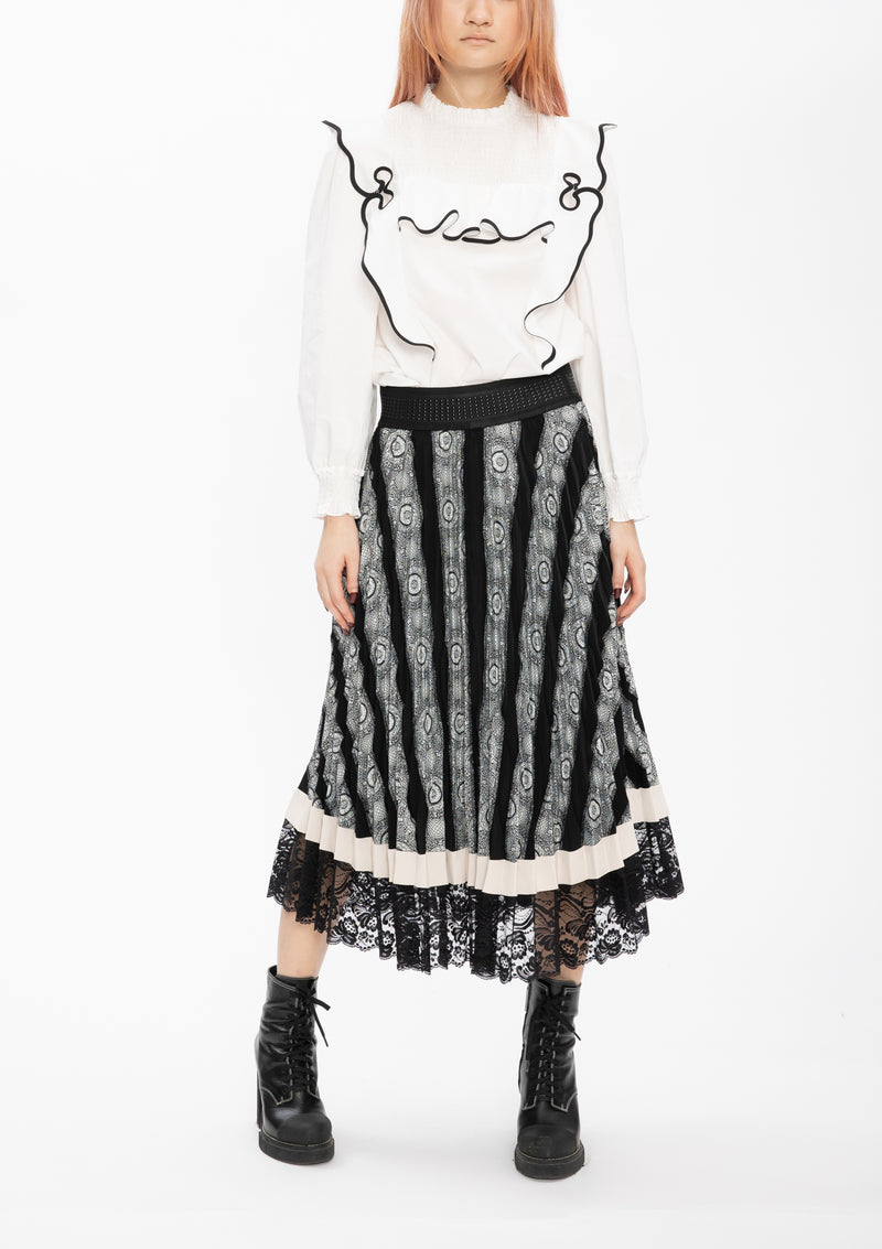 ** Selected Item ** BLACK JACQUARD PATCHWORK PLEATING SKIRT