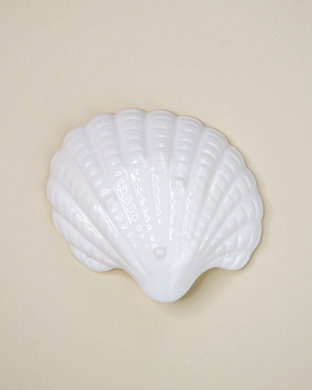 Porcelain Shell Dish Wine