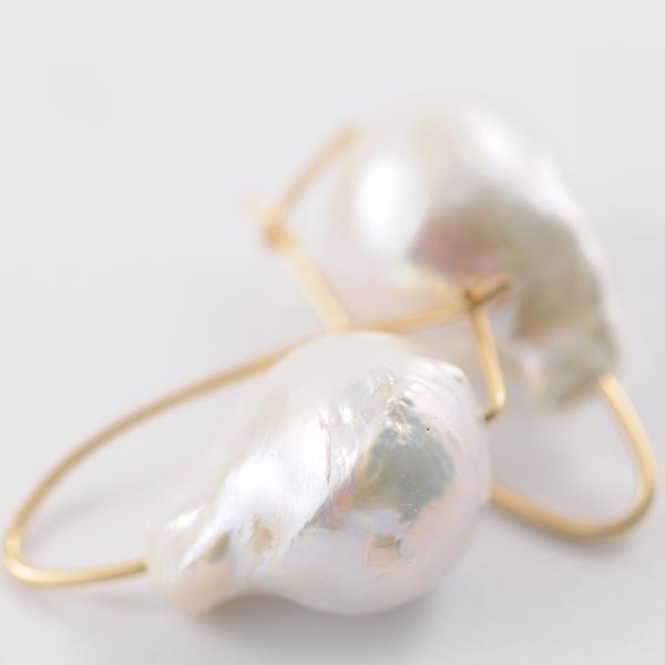 Baroque Pearl Yellow Gold Ear Wire