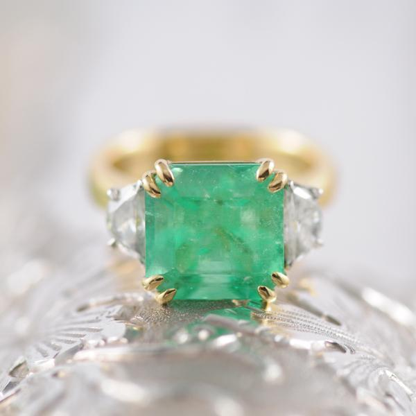 Coloumbian Emerald Asscher Cut and Half Moon Diamond Ring in 18k Yellow Gold