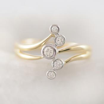 Diamond Ring with five Diamonds
