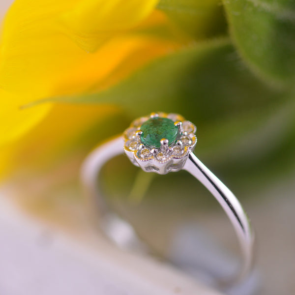 Emerald & Diamond Ring set in 9k White Gold