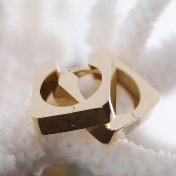 Huggies square 9k Yellow Gold