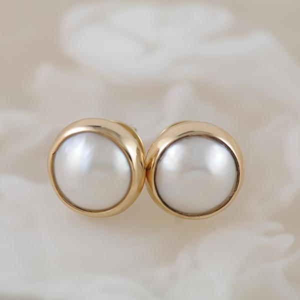 Mabe Pearl Stud Earrings in 9k Yellow Gold