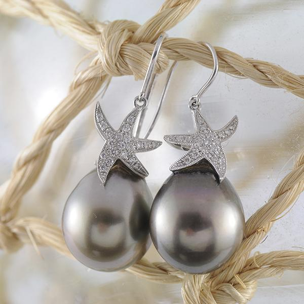 Tahitian Pearl & Diamond Earrings set in 18k White Gold