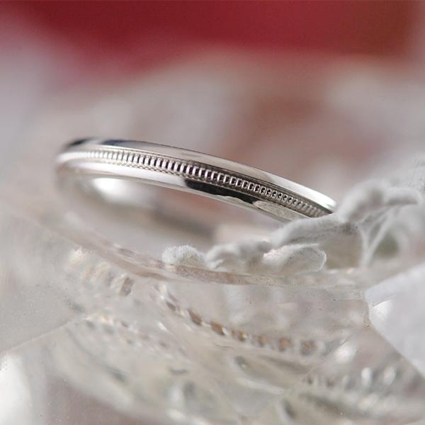 Ladies Wedder with Centre Millgrain in 9ct White Gold