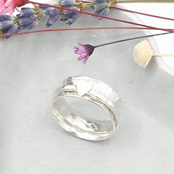 Minimalist Heart spinner ring
