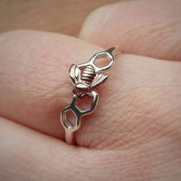 Honeycomb bee ring