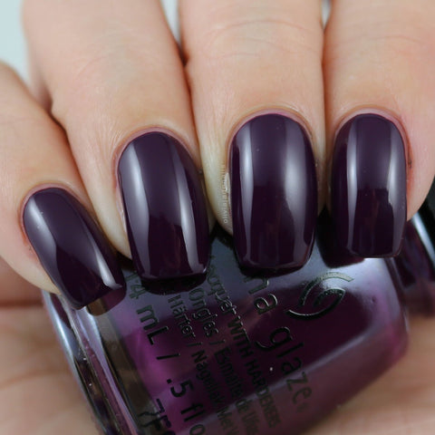 China Glaze - Happily Never After - Lookin' Gore-Geous