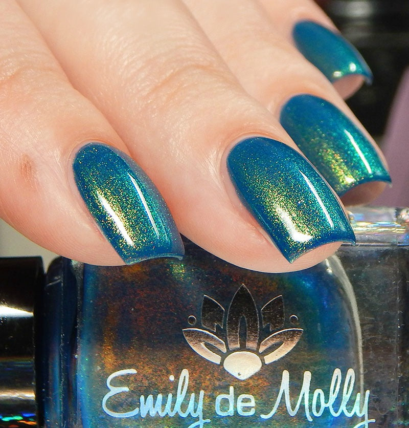 Emily de Molly - Well Suited