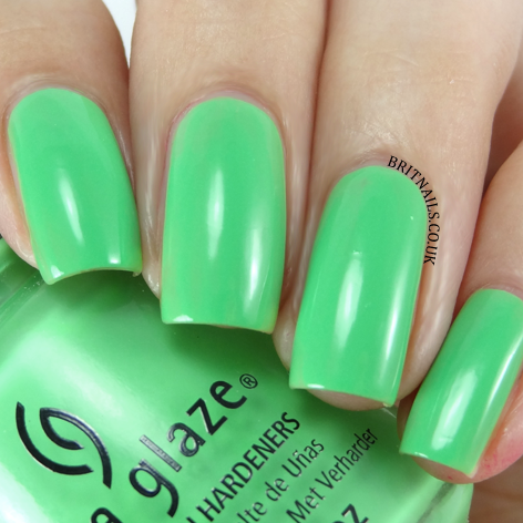China Glaze - Off Shore - Shore Enuff