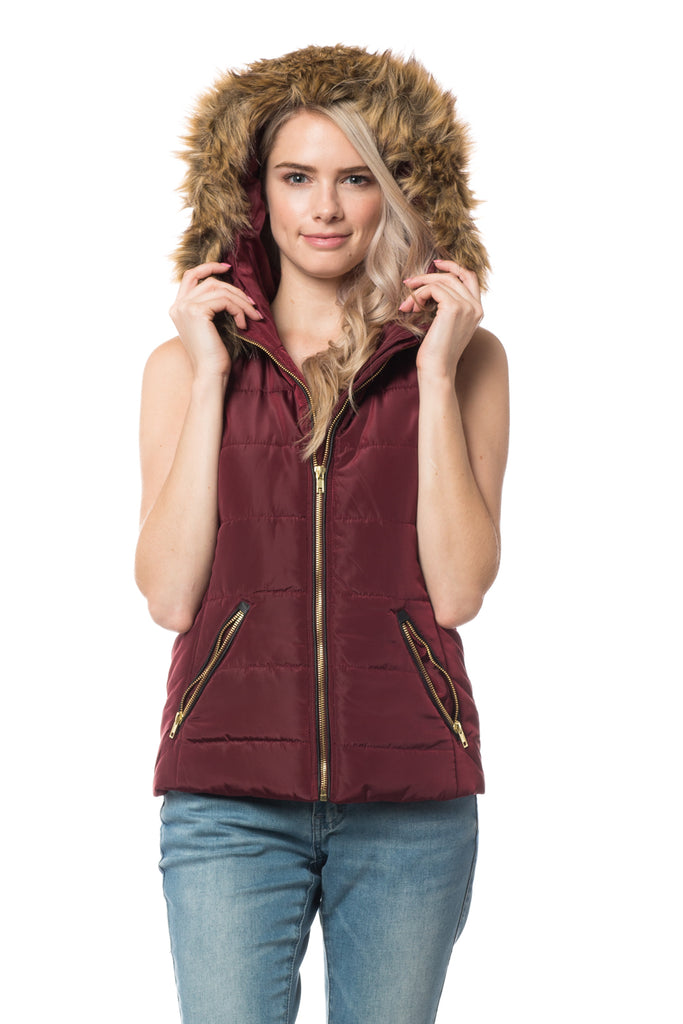 03f23a1a20388 LE3NO Womens Fully Lined Quilted Puffer Sleeveless Vest with Faux Fur Hoodie