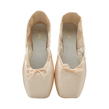 Load image into Gallery viewer, Product image of BLOCH TMT B-Morph Moldable Pointe Shoe, style ES0170L, colour Satin Pink, top view.