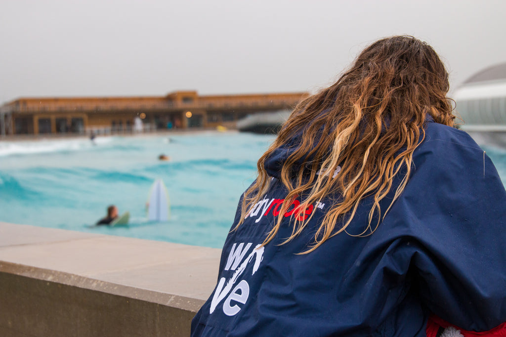 dryrobe Partners with The Wave