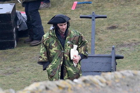 dryrobe, dryrobeterritory, poldark, aiden, turner, actor, camo, warm