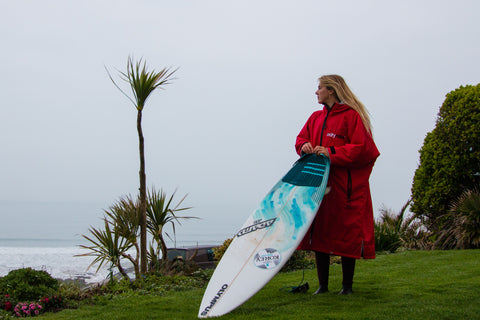 dryrobe, dryrobeterritory, lucy, campbell, ambassador, surf, surfing, woolacombe