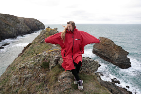 lucy, campbell, surf, surfing, surfer, ambassador, dryrobe, dryrobeterritory, outdoors, explore