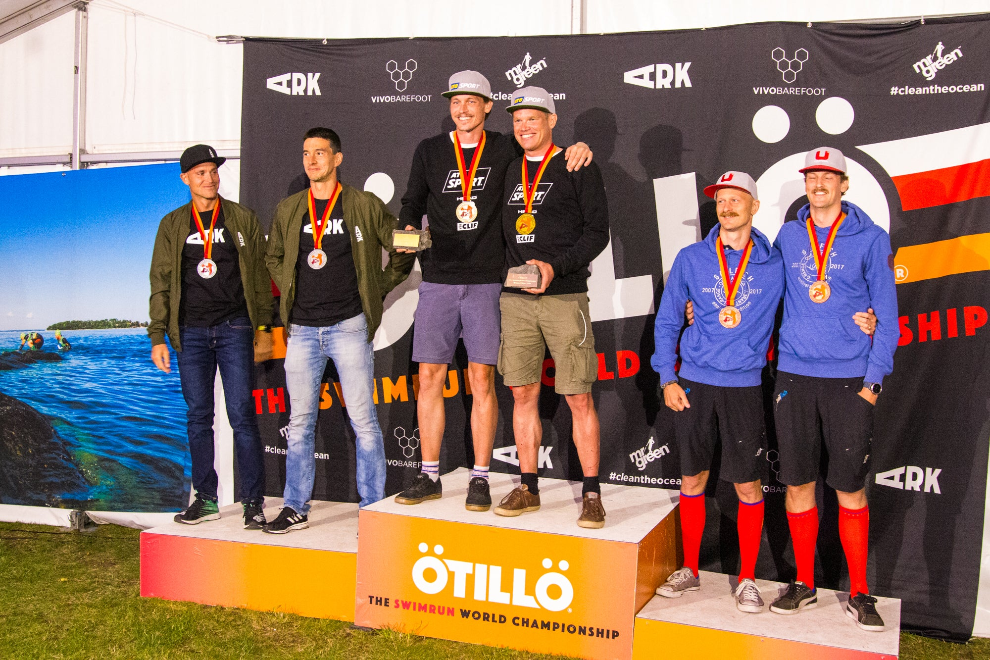 The winning men's teams - ÖTILLÖ Swimrun World Championship 2019