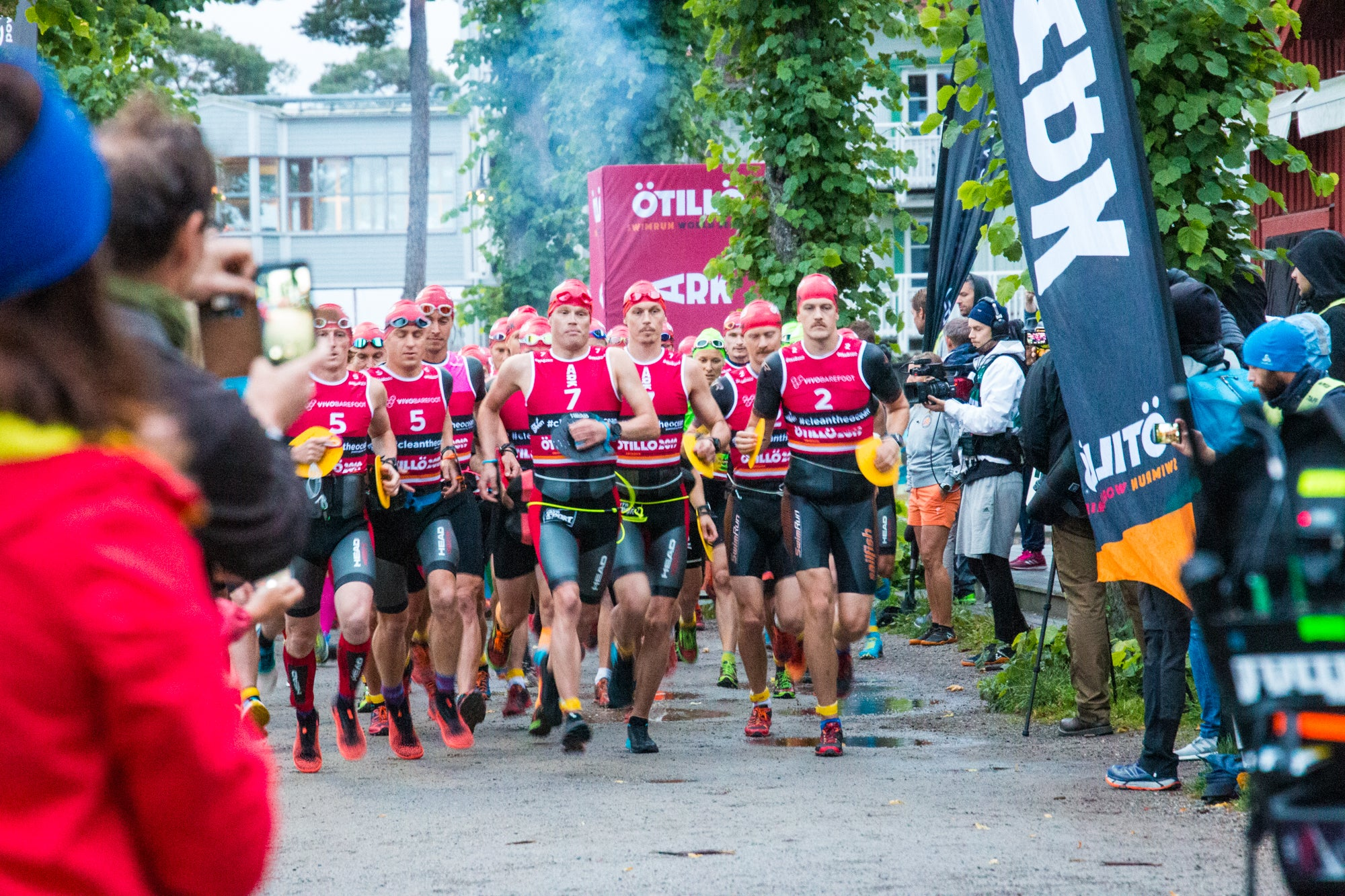 They're off! ÖTILLÖ Swimrun World Championship 2019