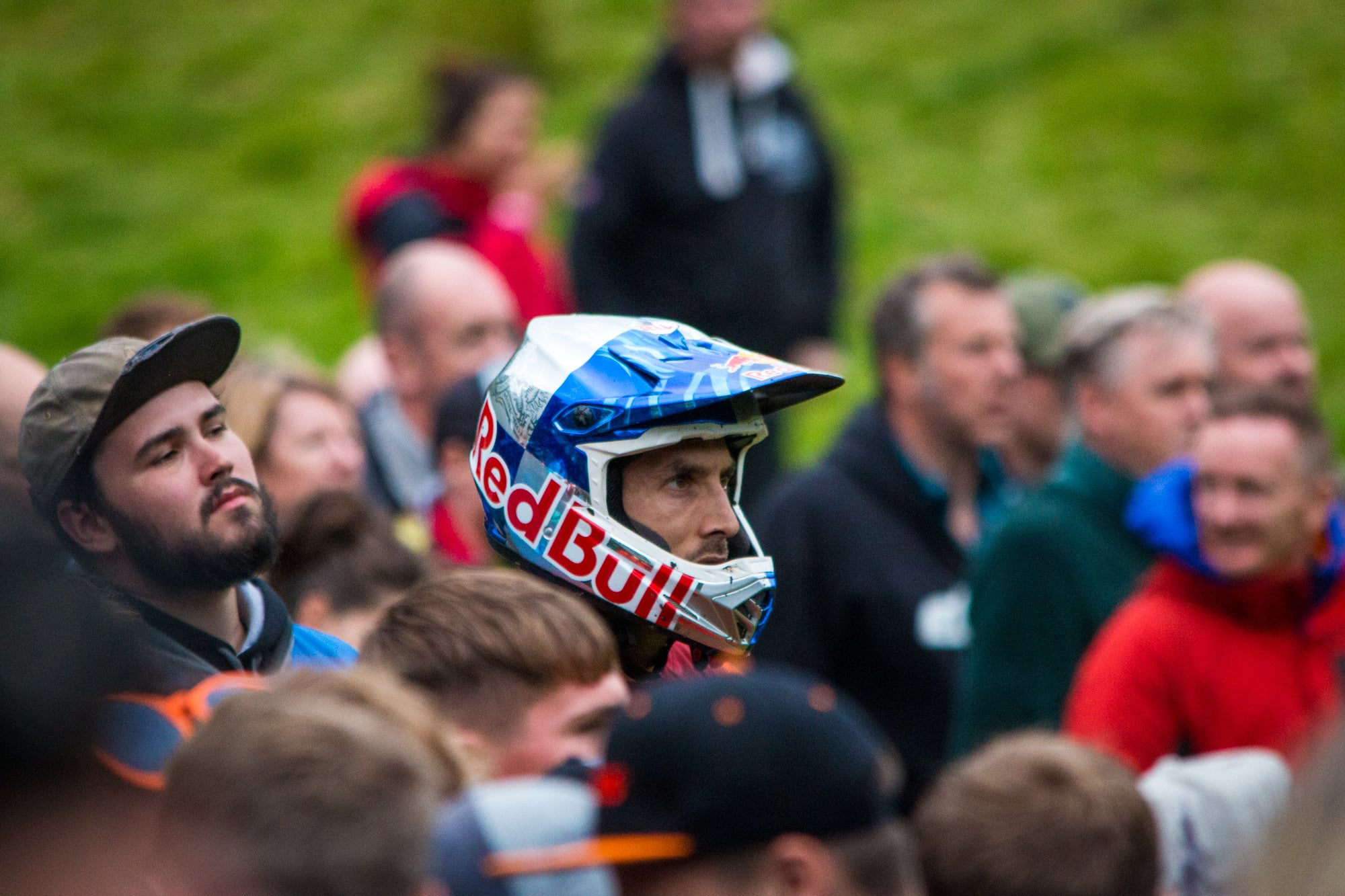 Gee Atherton watching Bernard Kerr's ride at Red Bull Hardline 2019