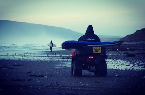 dryrobe, dryrobeterritory, surf, surfer, abersoch, explore, outdoors
