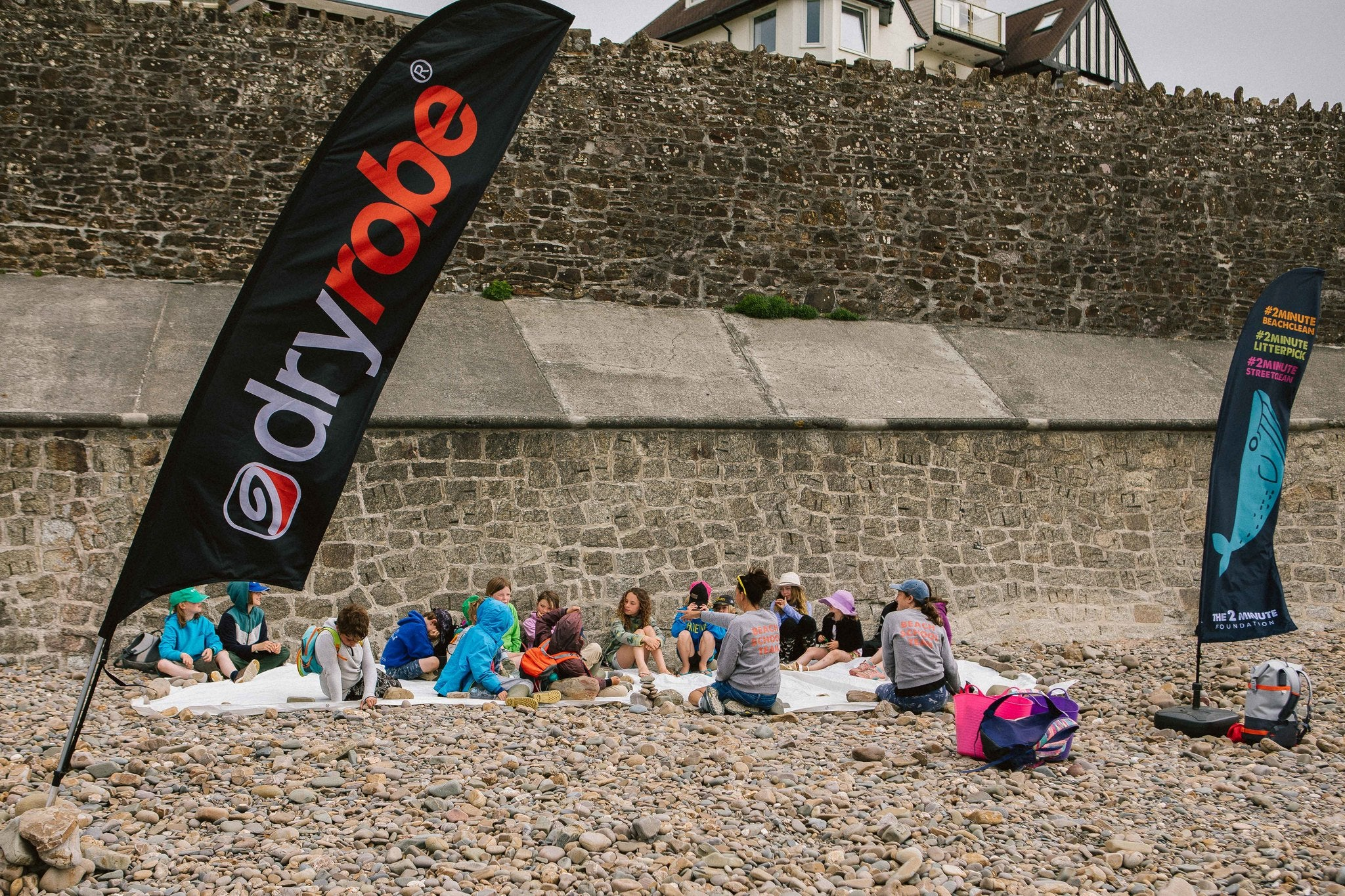 The 2 minute Beach School, supported by dryrobe®