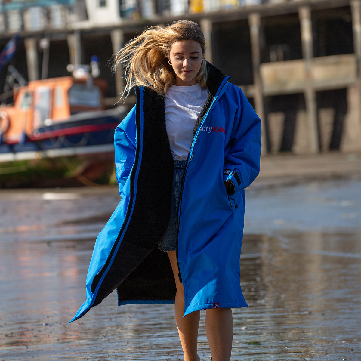1| dryrobe Advance Long Sleeve Sky Cobalt Blue Black Lifestyle