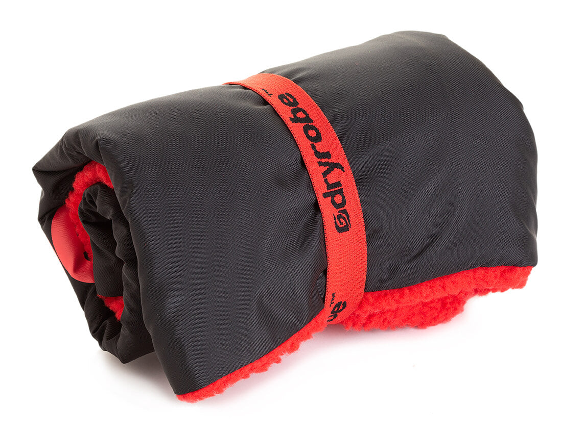 dryrobe Cushion Cover Black Red packs away easily