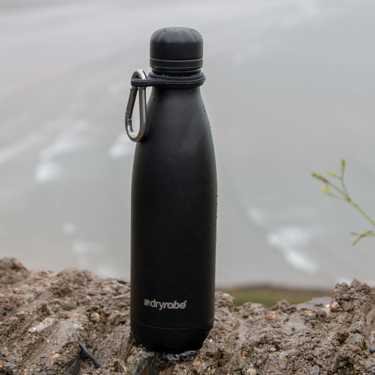 1| dryrobe x Chilly's Bottle 500ml Matte Black by the Sea