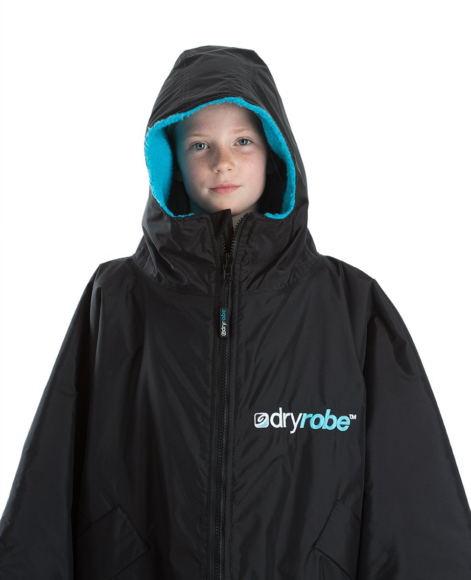 1|S,Kids dryrobe Advance Short Sleeve Black Blue Front Hood Up