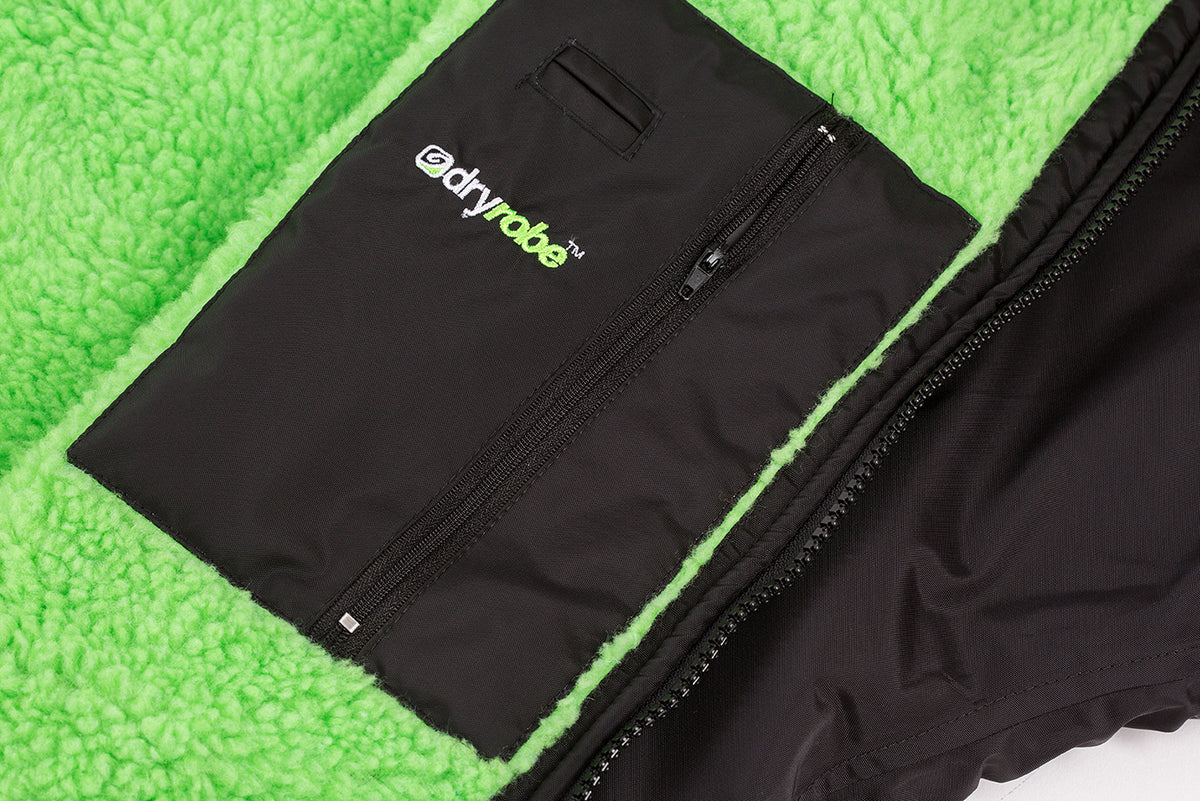M,L,XL, dryrobe Advance Long Sleeve Large Black Green Pocket Detail