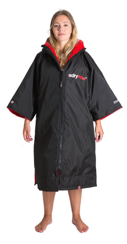 1|M, dryrobe Advance Short Sleeve Medium Black Red Front