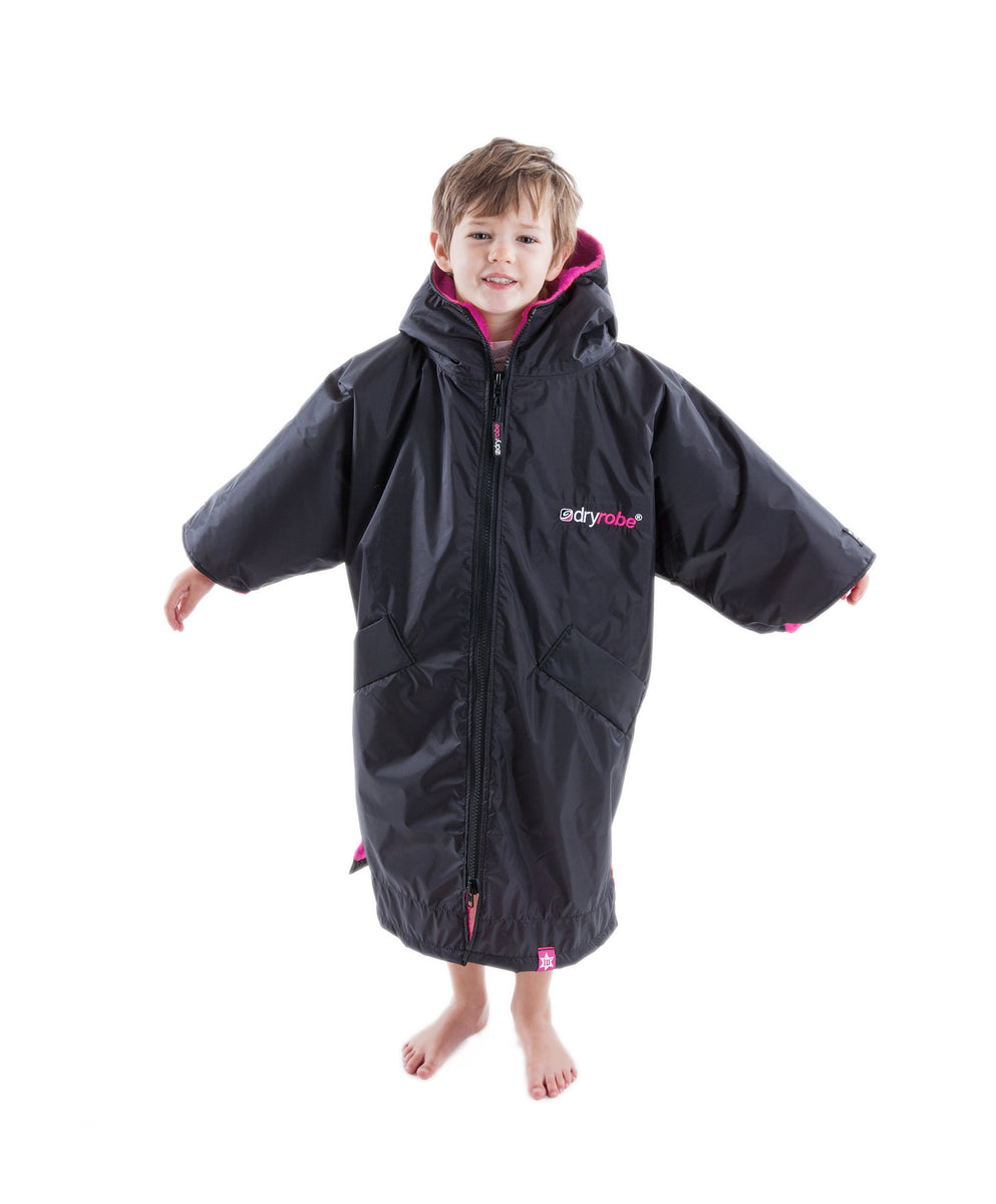1|XS, Kids dryrobe Advance Short Sleeve Black Pink Front