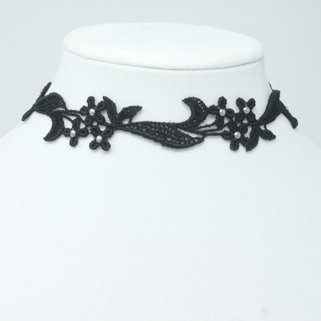 Flower Trio Choker Collar