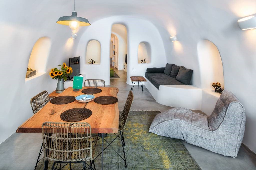Alexi's Place (Santorini) adds the designer touch. Ambient Lounge's soft makeover to unique AirBnb accommodation