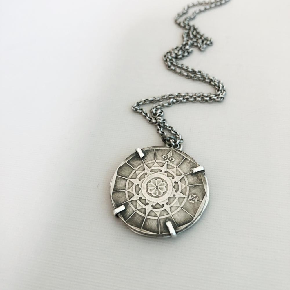 True North Compass coin necklace/portugal coin