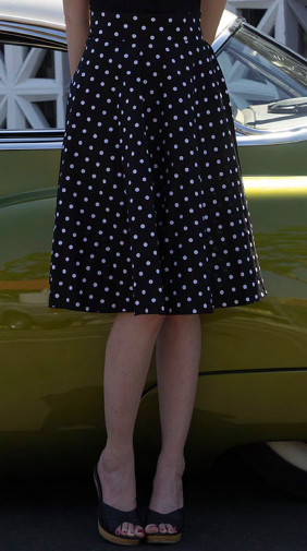 Retro Gal Polka Dot Swing Skirt in Black