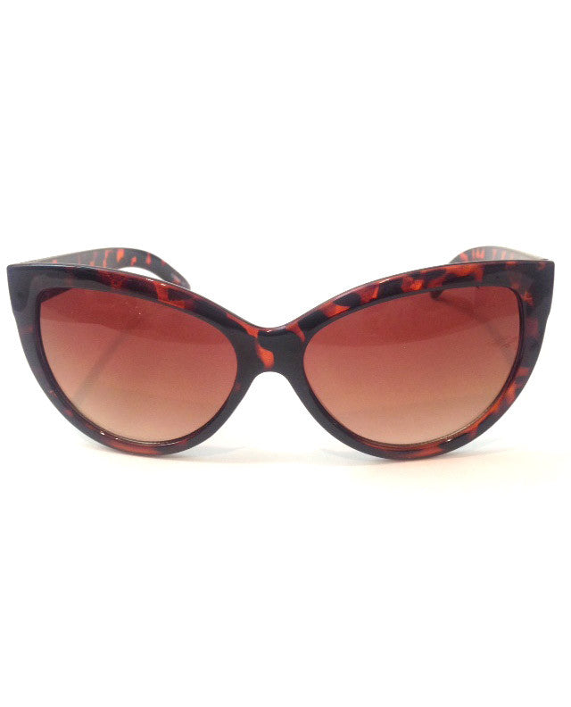 Classic Cat Eye Sunglasses in Tortoise