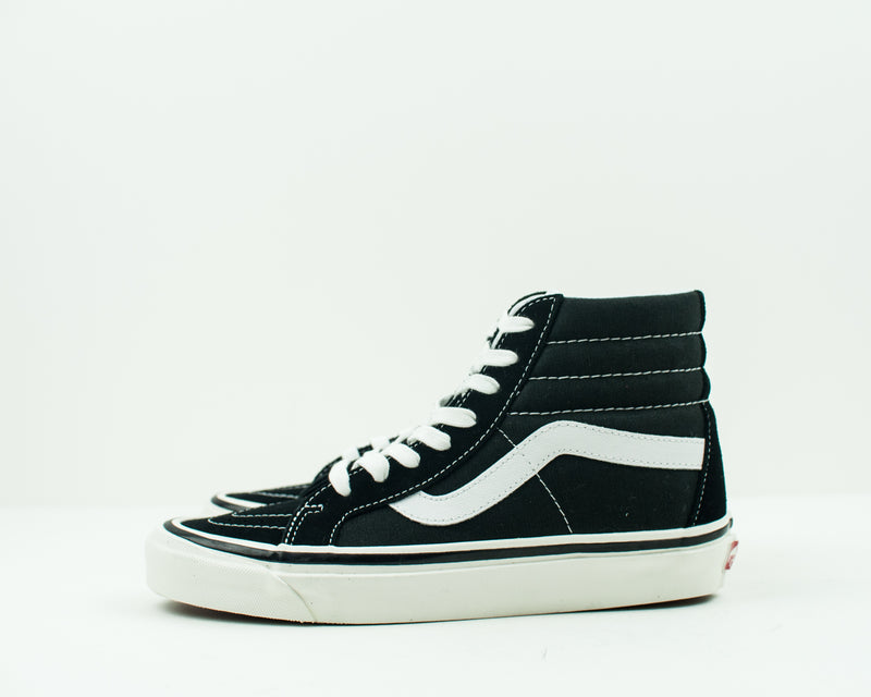ZAPATILLA - VANS - UA SK8 HI 38 DX ANAHEIM FACTORY BLACK TRUE WHITE VN0A38GFPXC1