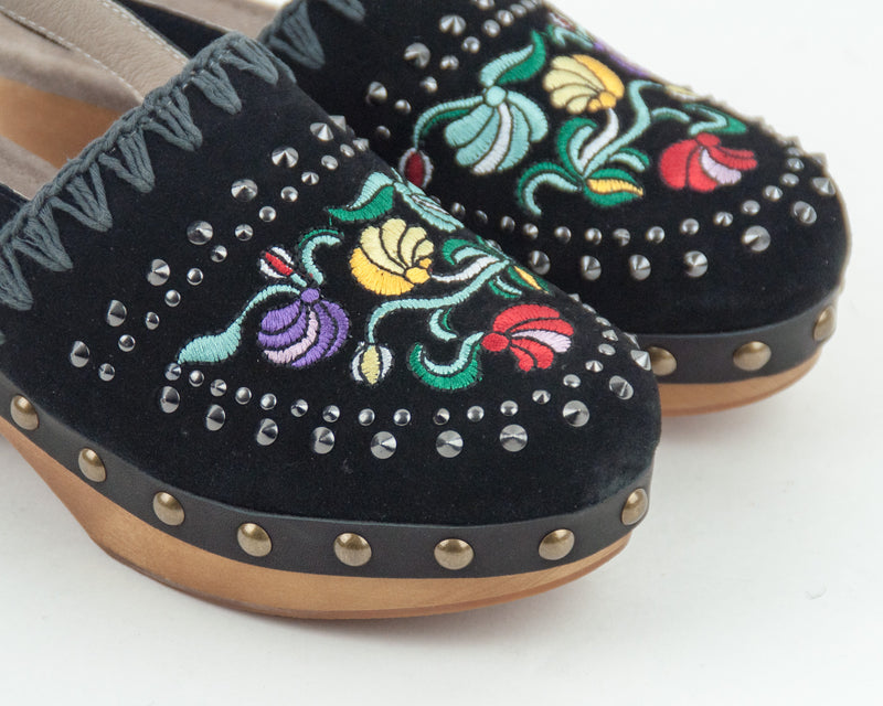 ZUECO - MOU - WOOD CLOG BACK STRAP EMBROIDED