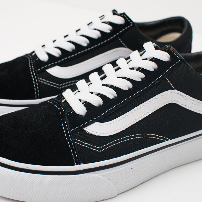 ZAPATILLA - VANS - UA OLD SKOOL PLATFORM BLACK WHITE VN0A3B3UY281