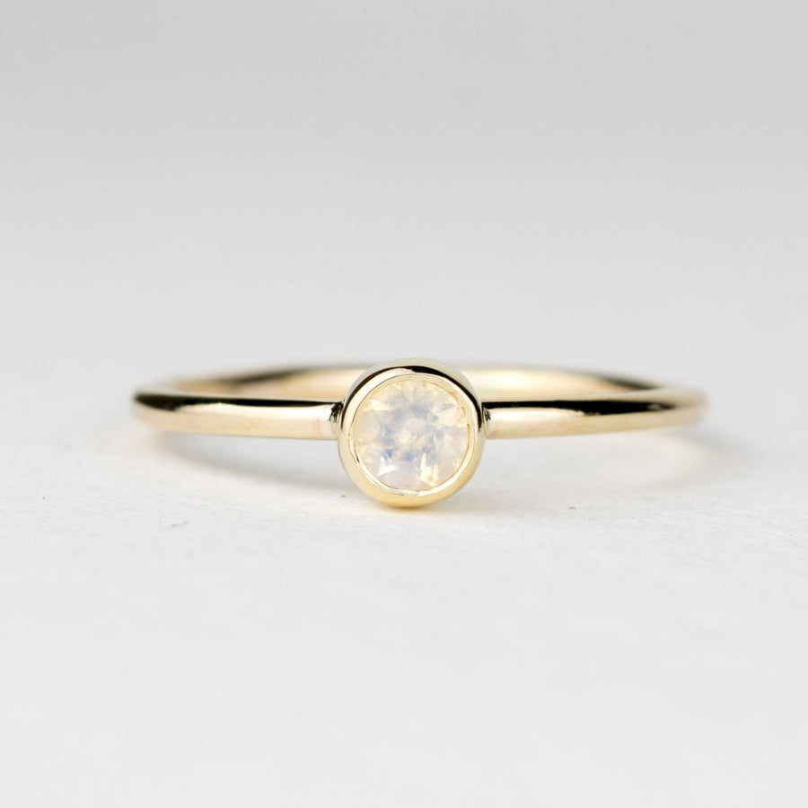 Andromeda 4mm Moonstone Gold Ring