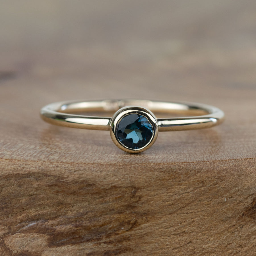 4mm London Blue Topaz Gold Andromeda Ring