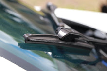 "Load image into Gallery viewer, CLIX Graphite Candy Precison Fit Click-on Wiper Blades - 24"" 16"""