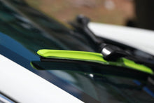 "Load image into Gallery viewer, CLIX Green Candy Precison Fit Click-on Wiper Blades - 20"" 18"""