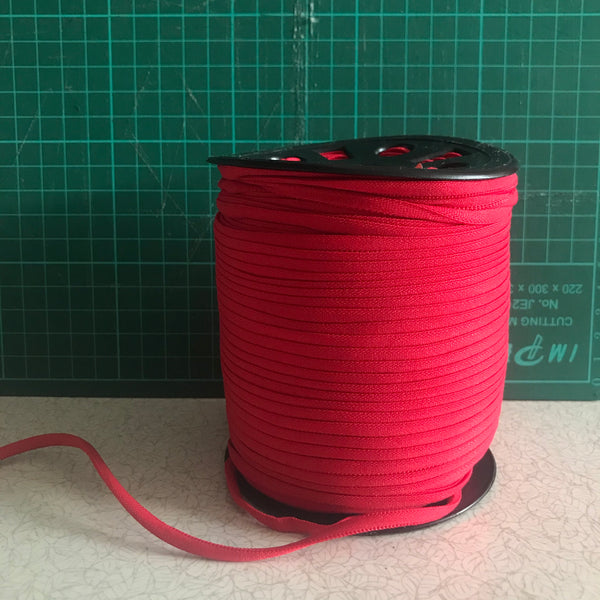 Red narrow banded elastic (4mm) for face masks (per metre)